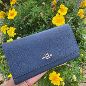 LIKE NEW COACH NAVY BLUE WALLET